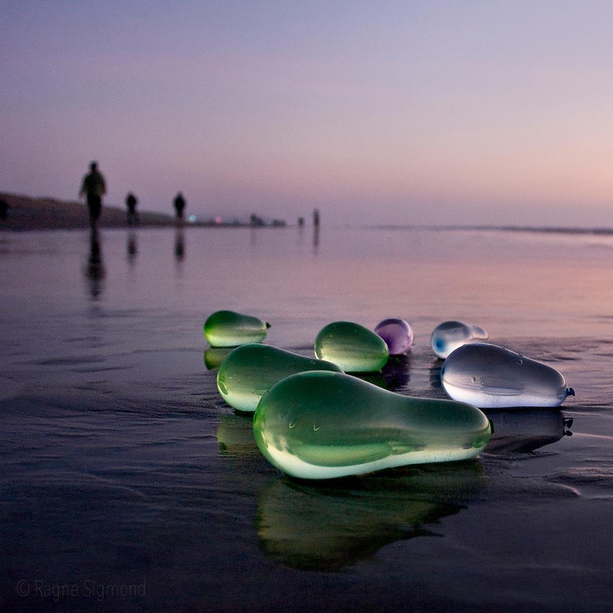 balloons_stranded_Ragne-Sigmond