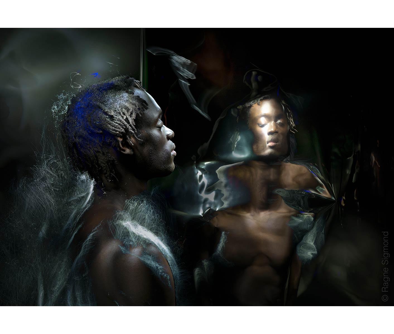Mirrored_identity_ragne-sigmond